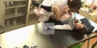 【昏睡レイプ】生徒の意識を奪い凌辱する悪徳校医