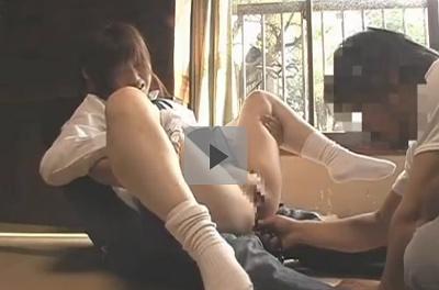 【藤本麻美】ロリータレイプ動画 ツインテールの田舎娘を監禁しアナルを凌辱して性奴隷に(4) アナルに指挿入後アナルボールに付着した汚物 汚れた指を口へ