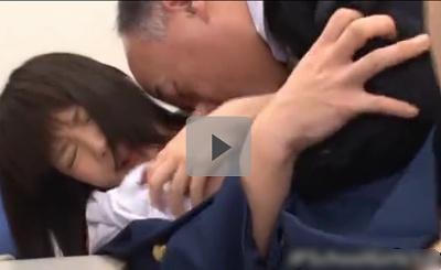 【誘導レイプ】女子校生いじめ(2) 担任教師が女子生徒の制服の前を開け白いブラジャーを下げて乳首に吸いつき、頭を押さえつけてイラマチオ 果てしない性的暴力