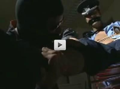 【ノンケ強姦】警備員凌辱 2人組の強盗に拘束されケツ穴を奪われてしまう男性
