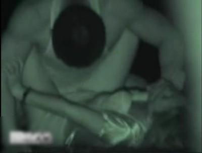 【リアルレイプ】会社帰りのOLを襲う強姦魔 スタイルのいい女性が一人になった夜道で木陰に連れ込み 口を塞ぎショーツを下げて挿入