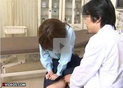 【だましレイプ】職権乱用 中絶の相談に乗るよと少女の足に触れる医者 その代わりこれから起きることは誰にも言ってはいけない!と少女にハメる悪徳医師