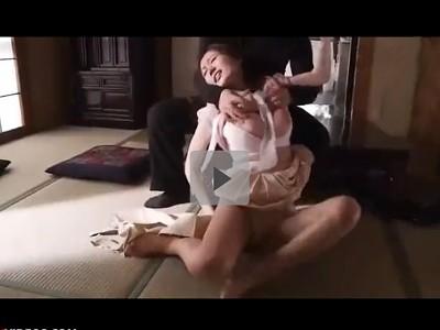 【わいせつ痴漢行為】映画館からつけられて自宅を知られてしまった巨乳の人妻 いきなり侵入してきた男に押し倒されてハメられた