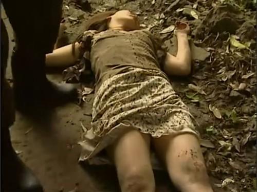 【昏睡レイプ】眠らせた女を犯す男たち 前科のある強姦魔が女を拉致 睡眠薬を注射されて意識を奪い 昏睡状態で両手両足を縛ってはりつけてレイプ