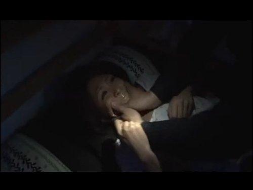 【狙われたセールスレディ】清楚で美人の外交員がレイプのターゲットに 女を性の奴隷にするプロの調教師 寝こみを襲われ口と両手にガムテープ もがきながらパジャマを脱がされ濡れてもいないところにぶち込まれ中出し