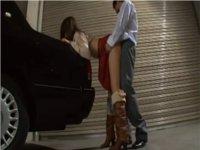 タクシーに手をついて立ちバックで挿れられた