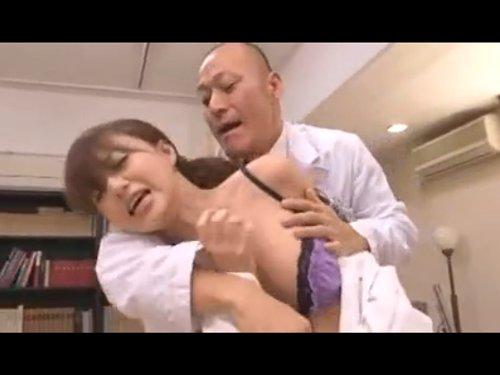 【吉沢明歩】高飛車な大学病院のエリート女医を院長が犯す 白衣をはぎ取られ両手を縛られパンスト破かれプライドはズタズタに  蔑んでいた出向先の病院の職員から屈辱レイプ