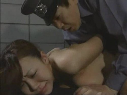 【捕虜レイプ】まだ10代の若い娘が敵兵に後ろ手に縛られハメられる 妊娠させる為にたっぷり中出しされる