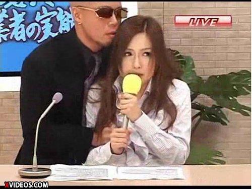 【瀬名あゆむ】こんなに面白いレイプモノは初めて!ヤクザに強姦されている状況をアナウンサーが実況中継 放送禁止用語続出 LIVE!!