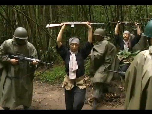 【女兵士レイプ】仲間を殺された恨みで捕虜を凌辱 杭に四肢を縛り付けて、もちろん前戯なしでねじ込み大量中出し 妊娠の心配などないのです…未来がないのだから