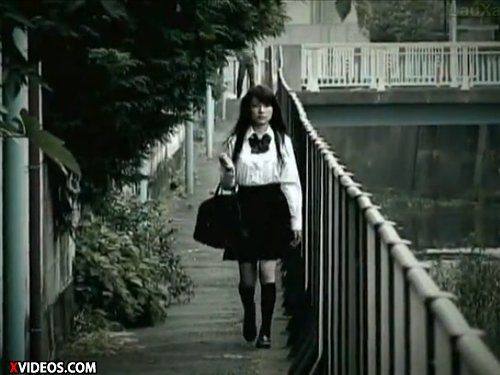 【早乙女ルイ】仕組まれた女子校生レイプ 突然押し入ってきた覆面の男…怯える少女から一緒に居てと頼まれキスをされ興奮 初めてでちょっと嫌がるJKに強引に…