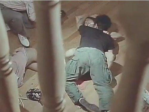 【Vシネマ】山荘に捕らえられた女たちを監禁して集団レイプ 暴力団風の男達が権力者に女を抱かせる スタンガンで気絶、銃や暴力で脅され自分の意志とは無関係に強姦される女性