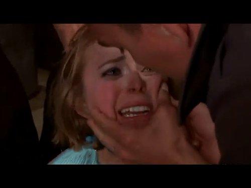【外人レイプ】可愛い白人女性を警察官が集団暴行 髪を引っつかんで泣き顔を平手打ち、四肢を押さえつけて秘部をこねくり回す 口を塞がれ二穴同時挿入 ★無修正