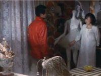 バレリーナの部屋に忍び込み強姦