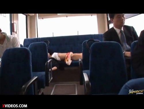 【希志あいの】バスの車内で痴漢からワイセツ行為 ケツをいやらしくなでられ小ぶりな乳房を揉まれて嫌がるが、痴漢に強制的にイカされ、こうなってしまった・・・