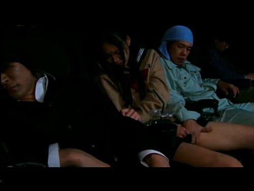 【女子校生レイプ】大学合格迄エッチをお預けにしていたら映画館で痴漢されてトイレで処女喪失 隣の席で寝てしまったカレは彼女が困っていることに気付かない