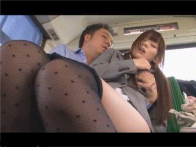 【麻倉憂】毎日通勤バスで痴漢される可愛いOL 会社の同僚に中出しされたところを目撃され、卑猥な映像を撮影された挙句、その男にもハメられた