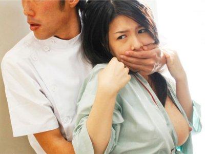 【女子社員レイプ】健康診断の最中、ちょっとした死角の場所で犯された美巨乳のOL すぐ側に同僚のいるカーテン越しで口を塞がれかなりしつこく犯された女性