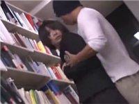 図書館で声も出せず糸引くほど愛液が溢れ出す敏感娘 12