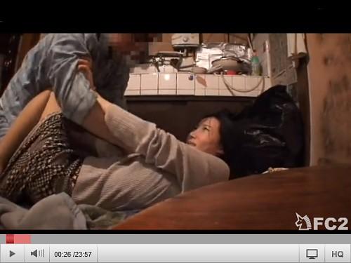 ボロアパートで襲われる人妻。自分の無力さを痛感・・・