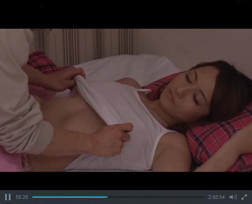 どーーーしてもオッパイの感触を知りたかった思春期男子が寝てる姉の巨乳を…