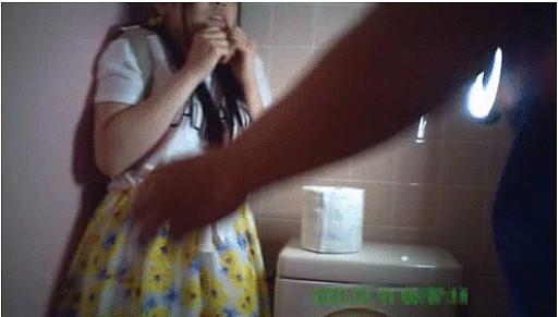 無垢な少女を公衆トイレで待ち伏せして精子を口内発射するGIF画像がヤバい…
