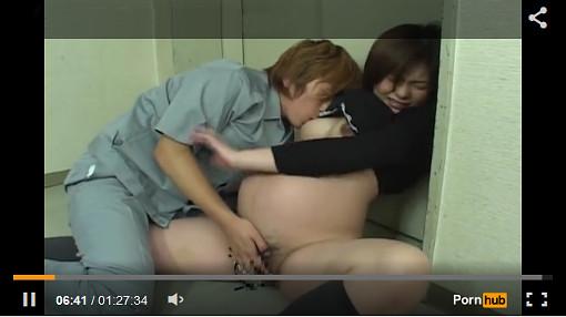 妊婦のレ○プ、アナル検診、肛門浣腸、母乳指導、中出し…のマニア映像!w