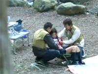 キャンプをしていた男達に犯されるJK