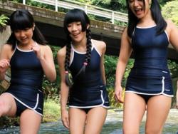 川で遊ぶ少女をレイプする鬼畜達