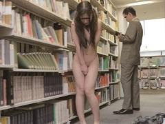 本屋で処女喪失なんて