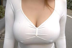 素人の発育良のエッロい乳
